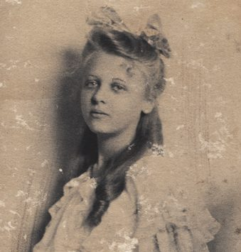 Evelyn Scott at a young age