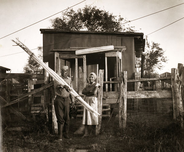 Clothes Pole, Man and Wife, New Orleans