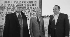 Left to right: founder of CODOFIL, Jimmy R. Domengeaux, Quebec First Minister René Lévesque, and Max Gregg. Photo by Philip Gould